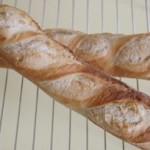 バケット、リースパン、メロンパン(すべてイースト)