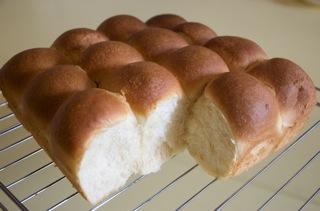 ちぎりパンが流行っているらしく。