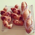 焼いたパンの写真など。